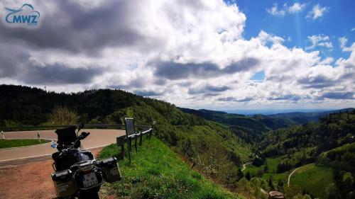 MWZ-Training-on-Tour-Schwarzwald BMW-Panorama