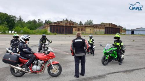 MWZ-Notbrems-Bremsentraining-Sicherheitstraining-motorrad_Bayern