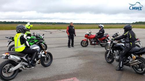 MWZ-Notbrems-Bremsentraining-Sicherheitstraining-motorrad_Muenchen