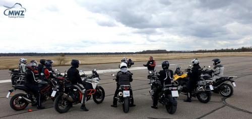 MWZ-Sicherheitstraining-Gruppe-Motorradfahrer